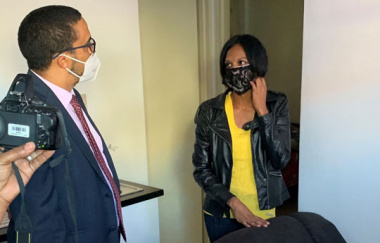 L- R: Western Cape Minister of Human Settlements, Tertuis Simmers and Mrs Natalie Roberts (36)