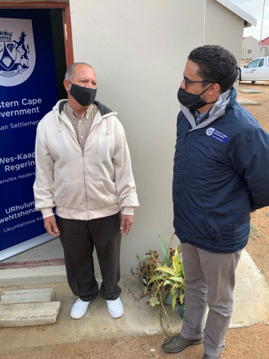 L – R: Mr George Kenneth (64) and Western Cape Minister of Human Settlements, Tertuis Simmers