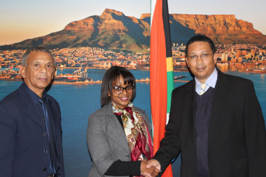 From left to right: Mr Derick Fredericks, Ms Althea Lapoorta and Dr Ivan Meyer.