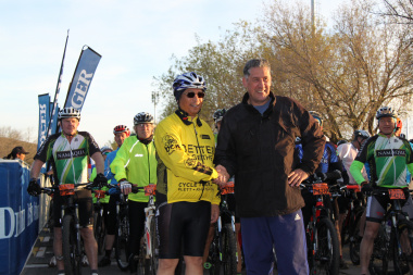 Minister Meyer with Bun Booyens, editor of Die Burger at the opening of the MTB Challenge