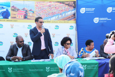 CoCT MAYCO for Human Settlements, M. Booi, W/Cape Minister of Human Settlements, Tertuis Simmers, Nat. Dep. Minister of Human Settlements Water & Sanitation P. Tshwete, Nat. Dep. Minister of Environmental Affairs, Forestry & Fisheries, M. Sotyu