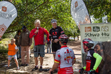 Minister Alan Winde opens the route with Michael Daiber from !Khwa ttu.