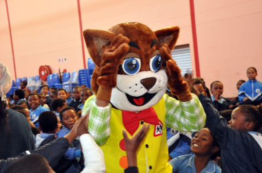 Learners excited to meet Danny Cat.