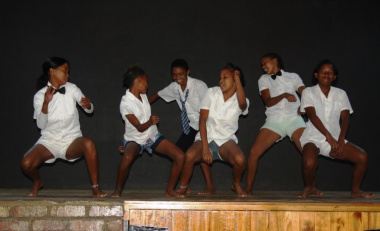 Learners of Gamka-Oos Primary School performing a dance
