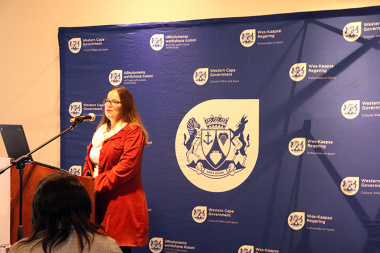 Library Service Director Cecilia Sani welcomed attendees to the seminar