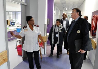 Makose Ramaili of the neonatal unit and Minister Donald Grant.