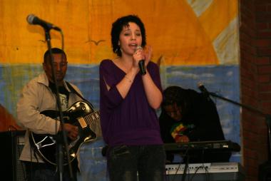 Mandy Stevens was also singing.