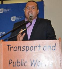Mark Skriker addresses delegates of taxi associations at the Inquiry into Taxi Violence event.