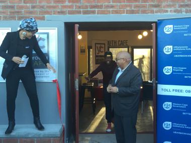 MEC Fritz post cut open doors