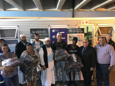 MEC Fritz with Al-imaad sponsors and Shelter Management