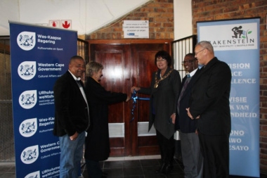 Minister Anroux Marais and Executive Mayor Adv. Gesie van Deventer open the Cape Winelands Sport Academy