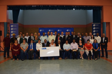 Minister Anroux Marais with representatives of federations in the Metro district who received funding