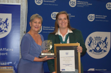 Minister Anroux Marais with Sportswoman of the Year, Anneke Snyman