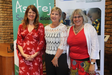 Minister Anroux Marais with Yvette Hardie (left) and Jacqueline Boulle (right) at the ASGC showcase and graduation