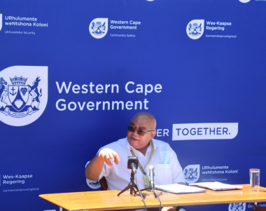 Minister Fritz briefing the media on the SAPS amendment bill
