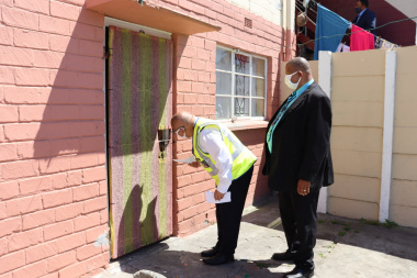 Minister Fritz engaging with Hanover Park residents