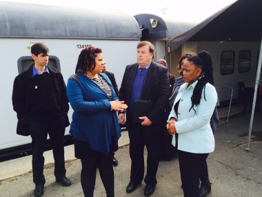Minister Grant and Minister Mbombo with Ms Lynette Flusk of the Phelophepa health train.