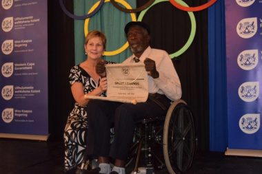 Minister Marais acknowledged 76-year old Fezile Mali (Rugby)