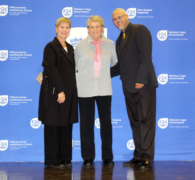 Minister Anroux Marais and Dr Bouah with Bennie Saayman of Cape Winelands Netball
