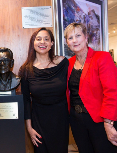Minister Anroux Marais (Western Cape Cultural Affairs and Sport) and Dr Marlene Le Roux (CEO Artscape) who was recognised by Her Majesty Queen Elizabeth II's as the 5th Commonwealth Point of Light