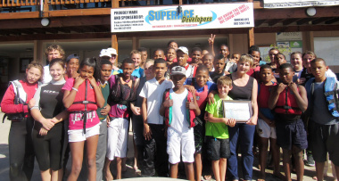 Minister Marais and the children from Garden Route Sailing academy