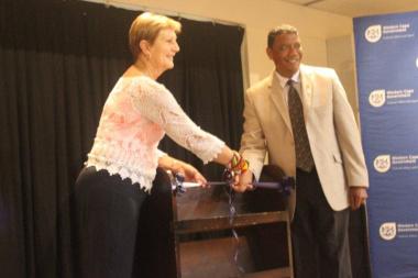 Minister Marais cuts the ribbon with Executive Mayor of George Alderman Melvin Naik