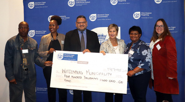 Minister Marais, HoD Walters and Ms Sani with representatives from Witzenberg municipality who received funding