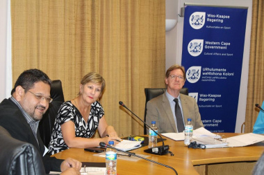 Minister Marais, HOD Walters and Quintus van der Merwe are introduced to the new members