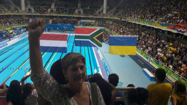 Minister Marais proudly supporting team SA at the Paralympics