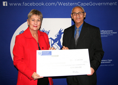 Minister Anroux Marais with a representative from Genadendal Mission Museum at the annual museum symposium in Stellenbosch