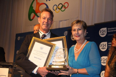 Minister Marais with the Sportsman of the Year winner, Blaine Dodds