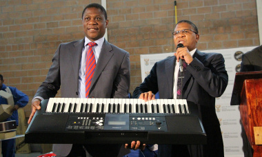 Ministers Paul Mashatile and Fikile Mbalula handed over equipment toWalter Teka Primary School and Oscar Mpetha High School.