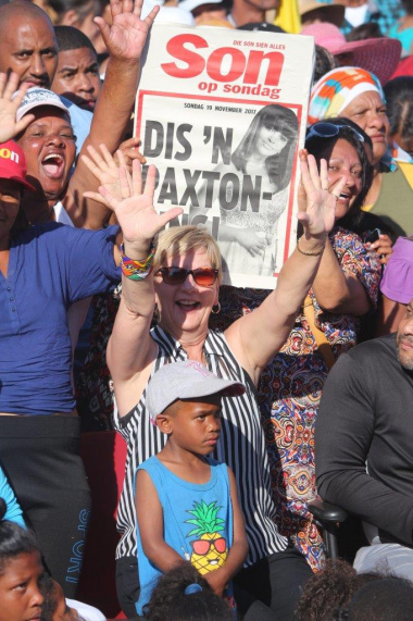 Anroux Marais, Minister of Cultural Affairs and Sport joined an estimated 10 000 residents at the Bishop Lavis Sport Ground for the live-screening of SA Idols