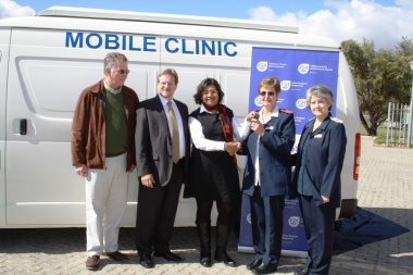 Handing over the key (from left): Helmut Pool of Cape Lime; Western Cape Minister of Health, Theuns Botha; Cape Winelands Health Director, Dr Lizette Phillips; Sister Salmien Visser and Nurse Ansie Louw.