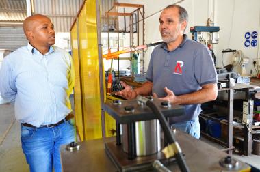 Mthunzi Rubuluza with Ebrahim Jacobs, owner of Ramiez Construction in Mossel Bay.