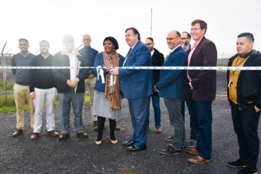 Ms Maddie Mazaza, Director of Transport at the City of Cape Town, with officials from the Department of Transport and Public Works and the project team during the ribbon-cutting ceremony.