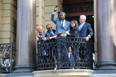Nelson Mandela 1.95 meter statue unveiled