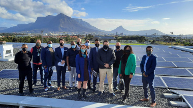 Minister David Maynier visits Old Mutual solar plant