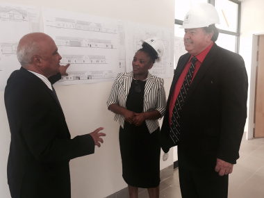 Paarl Hospital CEO, Dr Kruger with Ministers Mbombo and Grant.