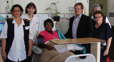 (From left) Maureen Ruiters, Dr Marinda Smit, Elizabeth Dantile (patient), Minister Theuns Botha, Claire Petersen and Lydia Smit.