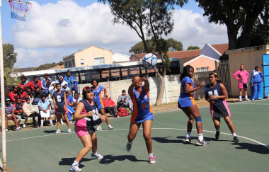 Peacemakers of Dunoon in action against Weltevrede of Mitchells Plain.
