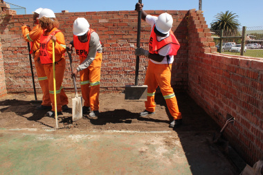 The EPWP trainees working on site.