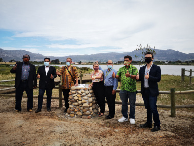 (From left) Chairperson of Heritage Western Cape Council, Advocate Mandla Mdludlu; City of Cape Town (CoCT) Mayco Member for Community Services, Councillor Zahid Badroodien; Chief of the Cocoqua, John Jansen; Minister Anroux Marais; CoCT Ward Councillor,