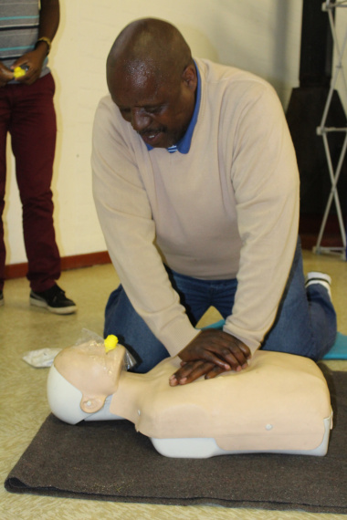 Qondephi Yantolo demonstrates resuscitation of an adult.
