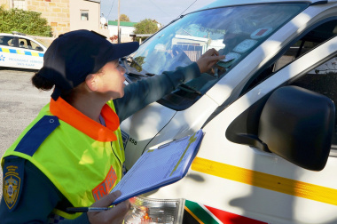 Law enforcement officers will do roadside checking this festive season.