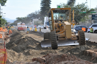 Roadworks in the centre of Bonnievale