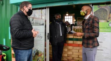 Minister David Maynier visits Spinach King