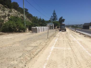 Stabilisation works near the Stilbaai bridge.