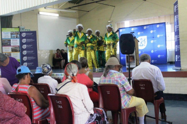 Sunshine Entertainers Minstrel  Group performing