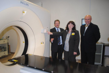 Minister Theuns Botha, Karen Wiehahn (Chief Radiograpgher) and Prof. Branislav Jeremic (Head of the Radiation Oncology) inspecting the new Big Bore CT Scanner.